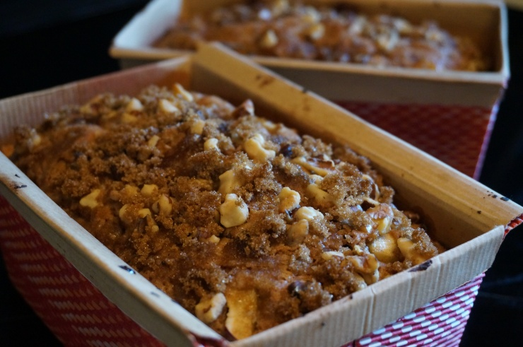 HARVEST APPLE SPICE CAKE