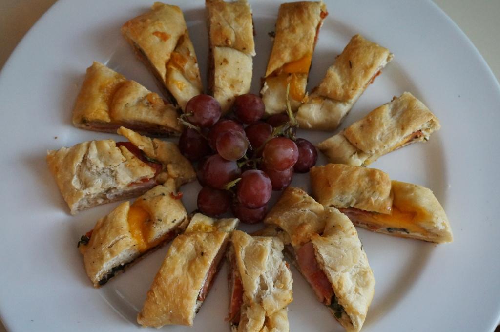 Slice, serve and arrange!