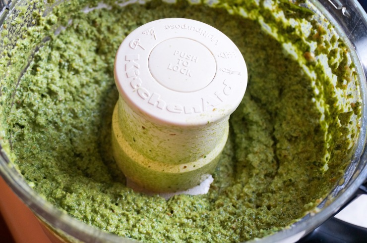 Prepare the lemon pesto in food processor.